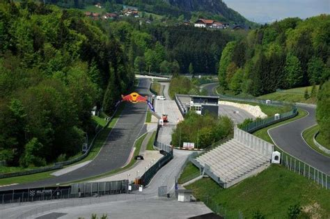 Racers adore the high-speed turns at Salzburgring