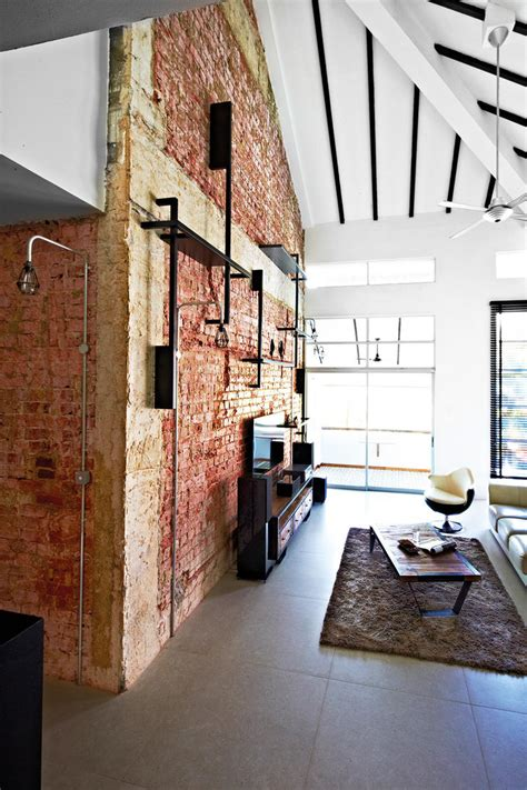 10 Industrial-style homes with exposed pipes and trunking