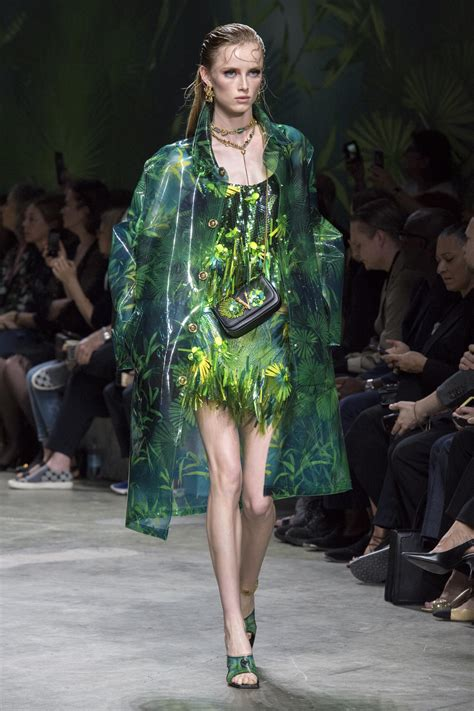 VERSACE SPRING SUMMER 2020 WOMEN'S COLLECTION   The Skinny