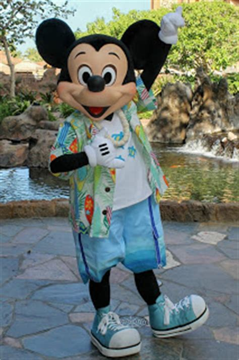 Unofficial Disney Character Hunting Guide: Disney's Aulani